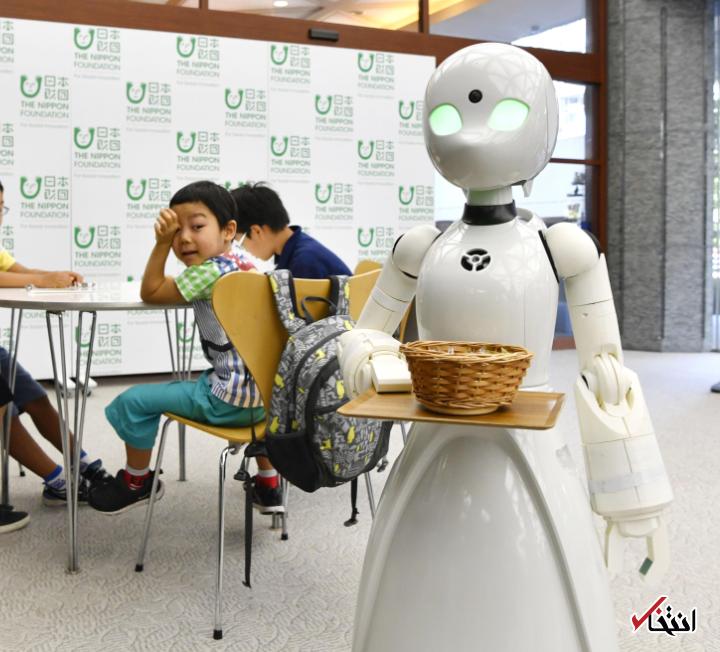 روبات کافه چی معرفی گردید ، حمایت از بیماران حرکتی و معلولان ، ارائه پیغام های صوتی و تصویری به کاربران