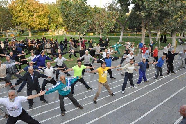 فارسی: آمار پایین مشارکت مردم در ورزش همگانی نشان از بی توجهی به موضوع سلامت است
