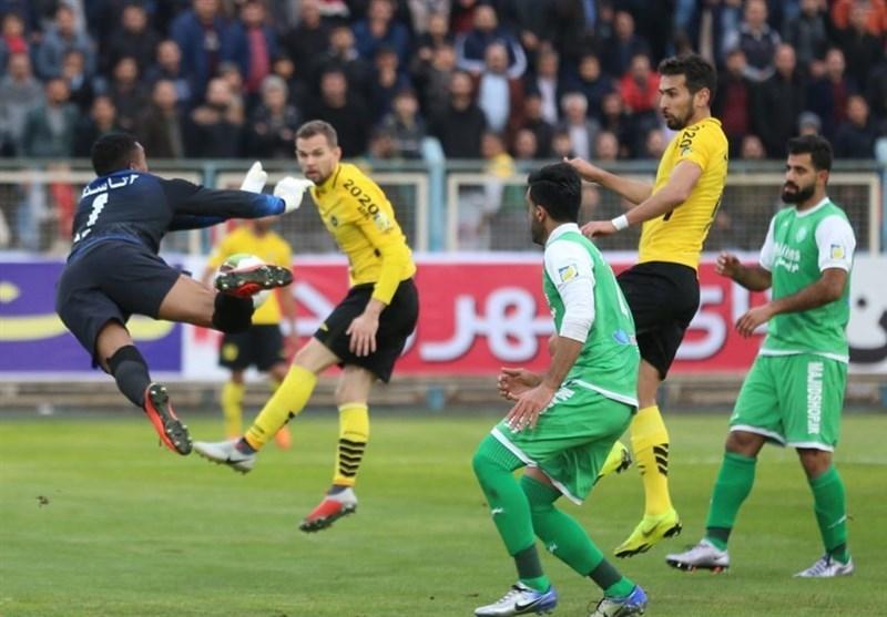 لیگ برتر فوتبال، سپاهان با فزونی مقابل ماشین سازی به رختکن رفت