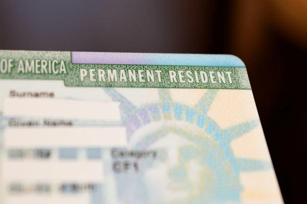 ترامپ به دنبال اخراج دارندگان گرین کارت از آمریکا