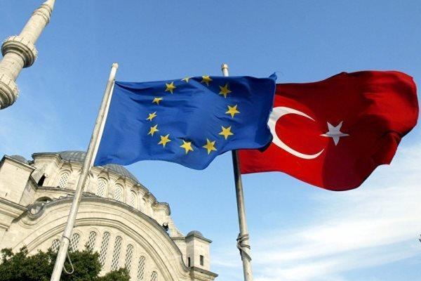 ترکیه: در همکاری با اتحادیه اروپا به شکل جدی بازنگری می کنیم
