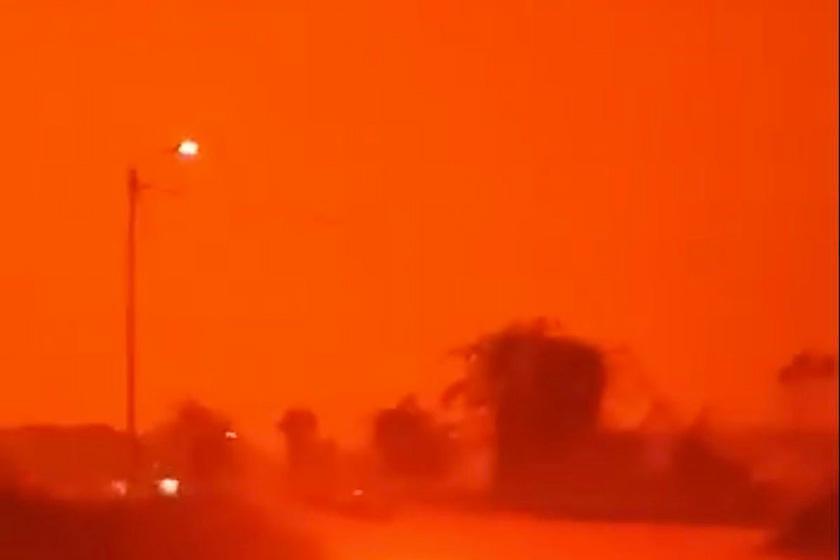 آسمان اندونزی قرمز شد