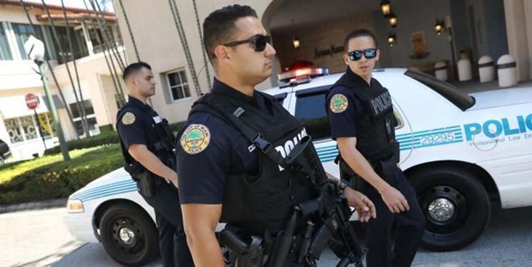 رسانه های غربی مدعی شدند: دستگیری یک ایرانی با چاقو و تبر در نزدیکی تفریحگاه ترامپ در فلوریدا