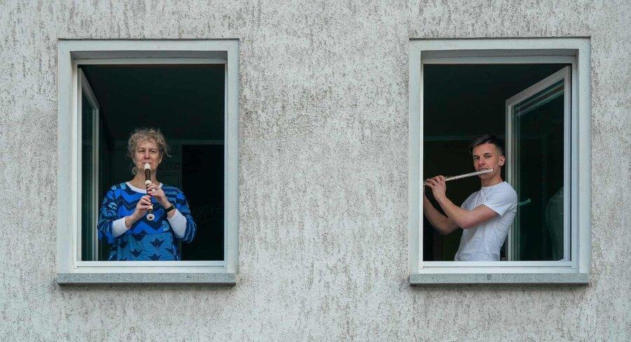 عکس روز، موسیقی در قرنطینه