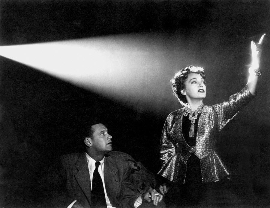 دیالوگی از فیلم سانست بلوار؛ ساخته بیلی وایلدر - ستاره های عظیم غرورهای عظیم هم دارند