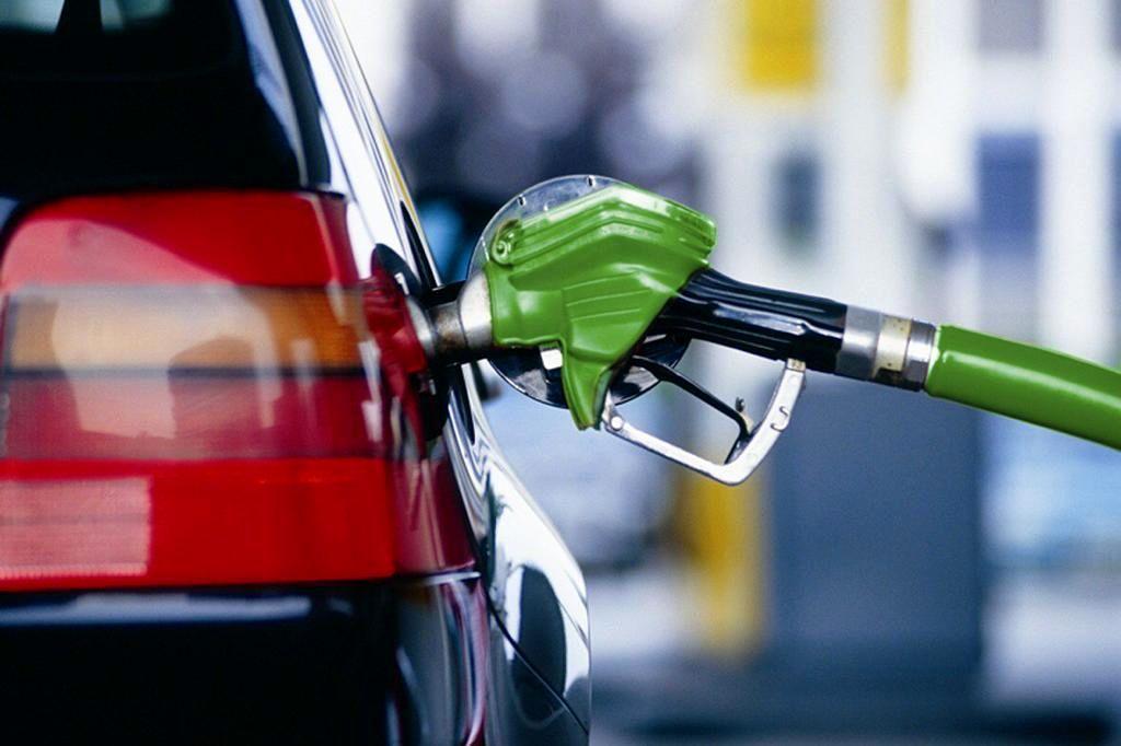 طرح مجلس برای واریز یارانه 40 لیتر بنزین به حساب هر ایرانی