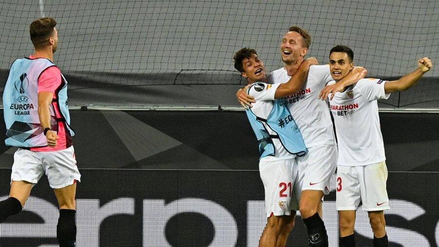 نیمه نهایی لیگ اروپا ، شیاطین سرخ از صعود به فینال بازماندند