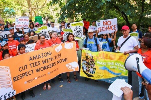 کارکنان آمازون مقابل خانهجف بزوس تظاهرات کردند