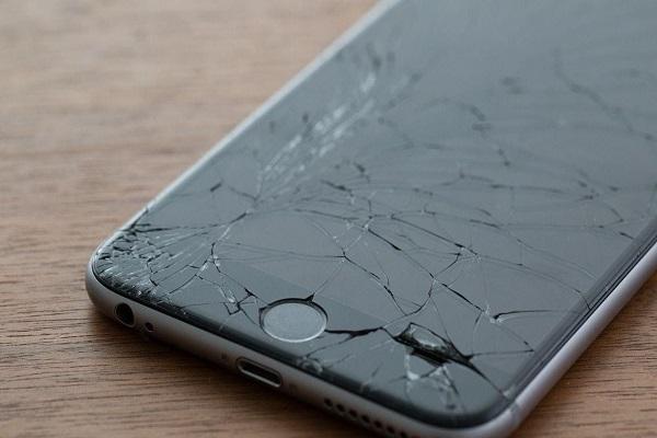 خرابی ال سی دی های موبایل ها همچنان ادامه دارد!