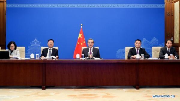 چین: دموکراسی کوکاکولا نیست